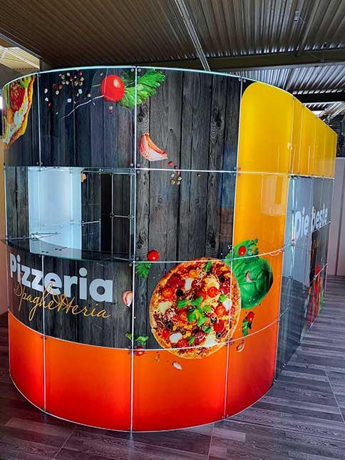 modern_glass_kiosk